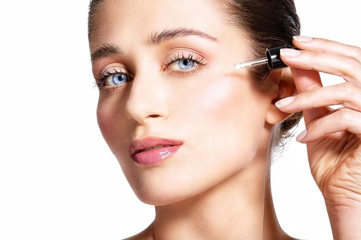 Aplicar ácido hialurónico en la piel